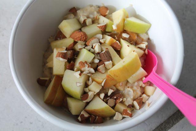 Havregrød med karamel, mandler og æbler