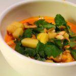 Thaisuppe med kylling, mango og cashewnødder