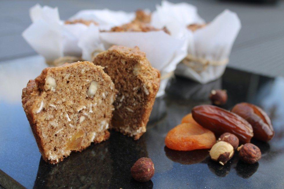 Muffins med nødder og tørret frugt