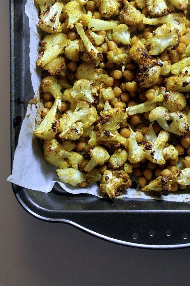 Bagt blomkål og kikærter i ovnen