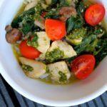 Kylling med pesto, svampe og spinat