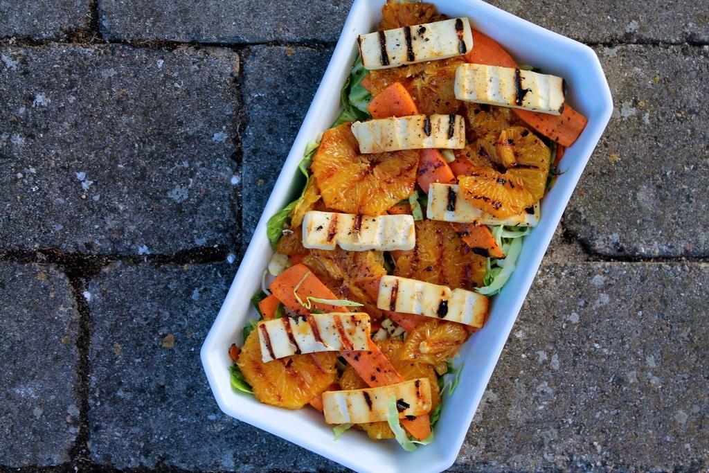Grillet salat med gulerødder, appelsiner og grillost photo IMG_5070_zpsonewr0oj.jpg
