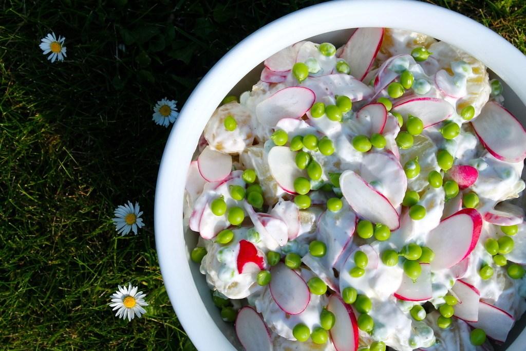 Kold kartoffelsalat med nye ærter og radiser photo IMG_5398_zpsfyik7tbg.jpg