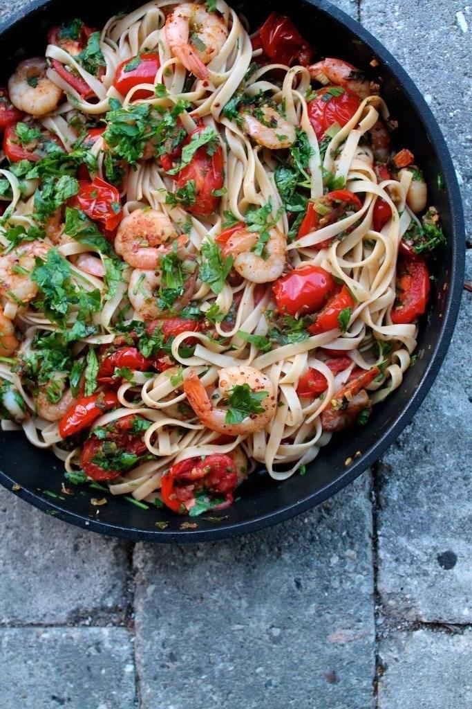 Pasta med kongerejer, chili og persille