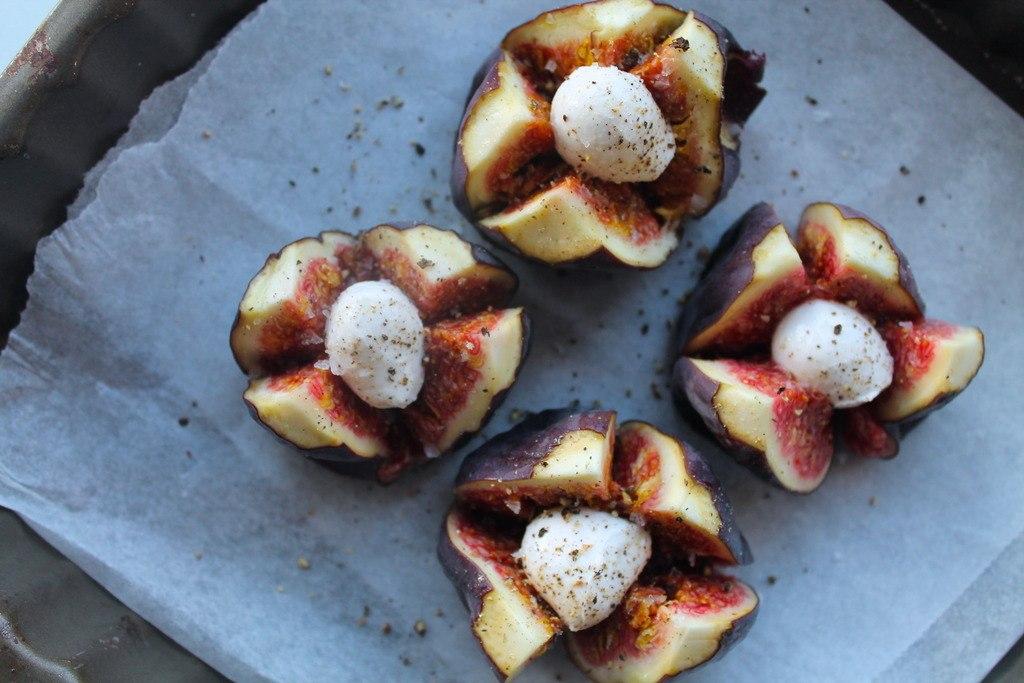 Ovnbagte friske figner med mozzarella og balsamico photo IMG_6204_zpshajdsznn.jpg