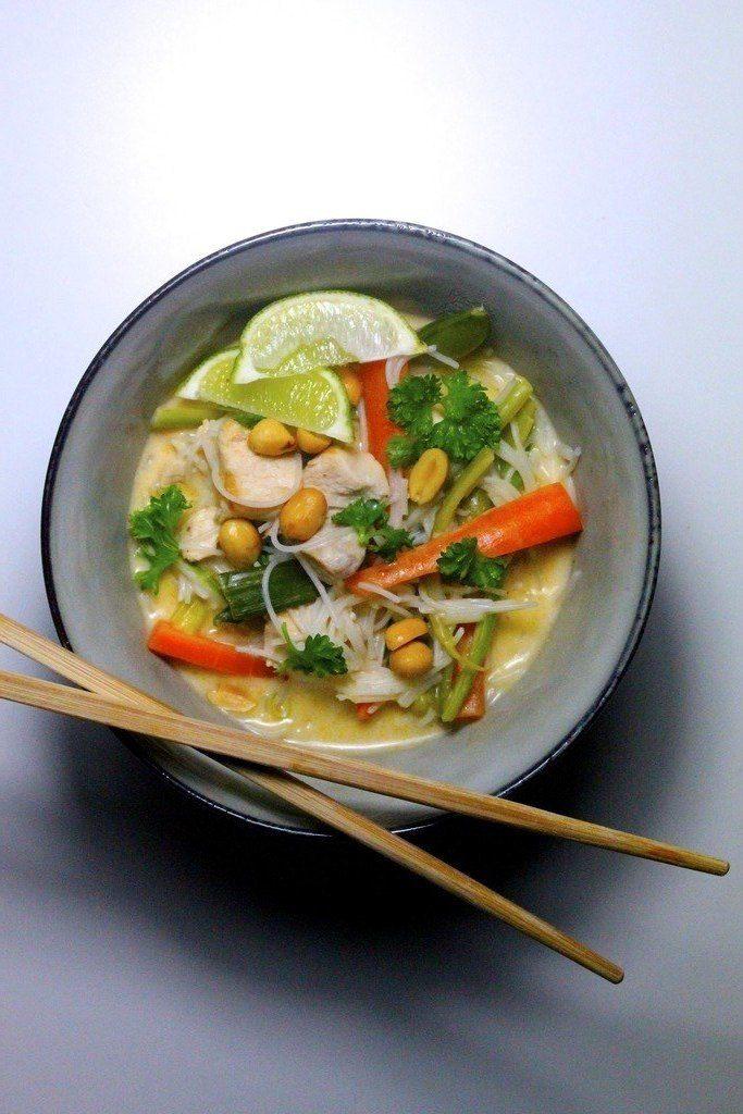 Thaisuppe med kylling og nudler