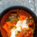 Vegetarisk curry med kikærter og søde kartofler