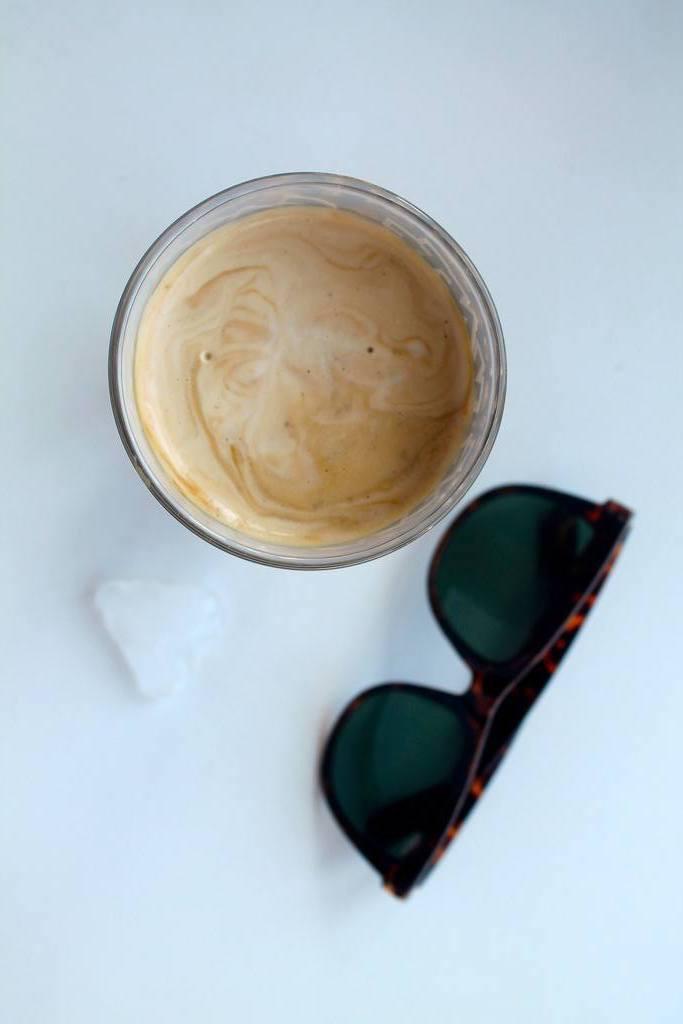 Nem og cremet iskaffe