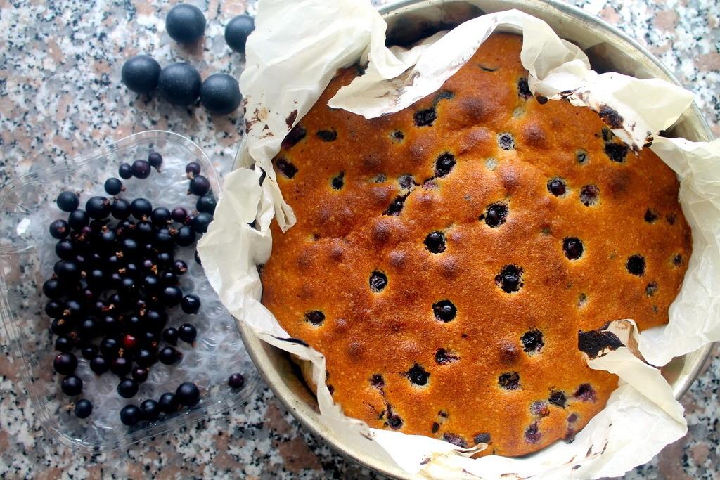 Solbær mazarinkage med chokolade og lakrids photo IMG_0289_zpskgbdafes.jpg