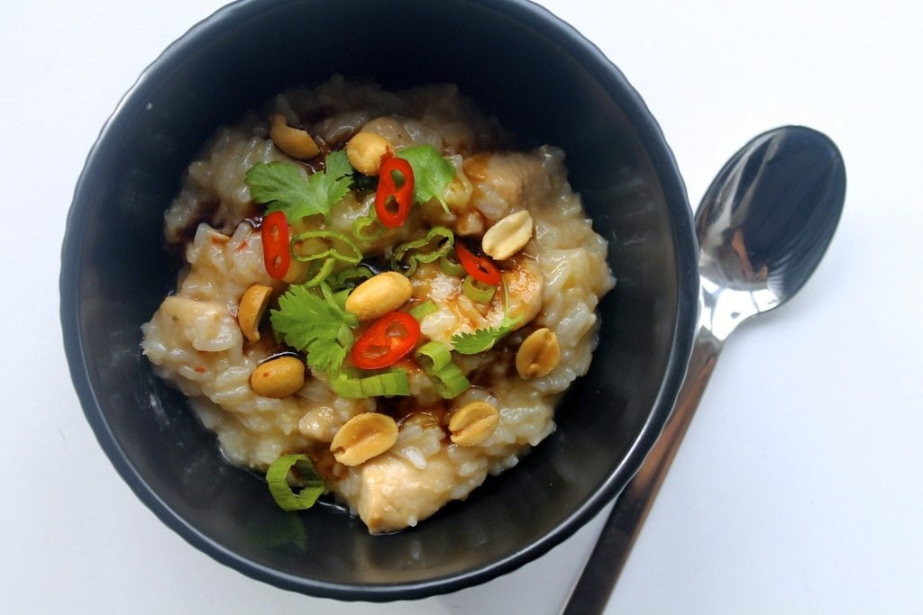 Congee // Asiatisk risgrød med kylling, forårsløg og peanuts photo IMG_0152_zpsfapfrcid.jpg