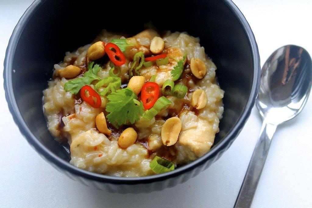 Congee // Asiatisk risgrød med kylling, forårsløg og peanuts photo IMG_0169_zpskybu3ddf.jpg