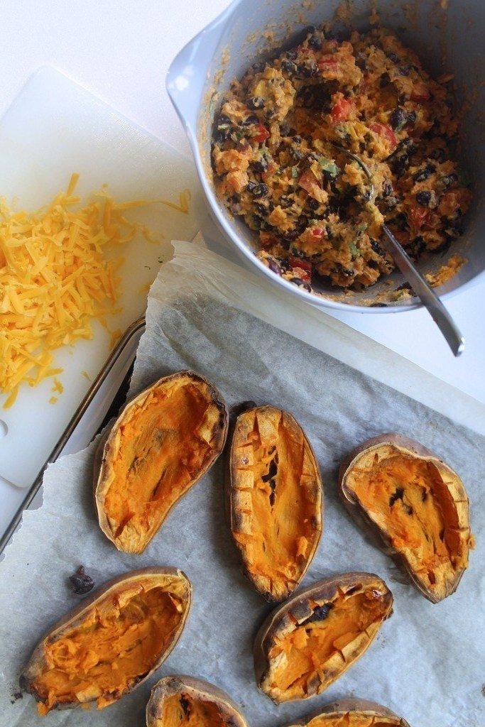 Bagte søde kartofler med mexicansk fyld