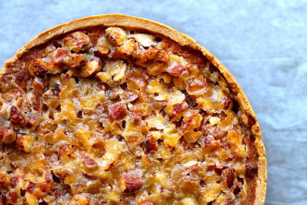 æblekage med nøddekaramel