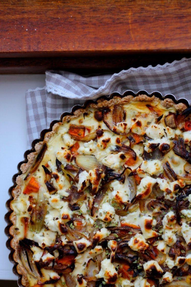 Tærte med græskar, løg og feta