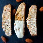 Biscotti med mandler, appelsin og hvid chokolade