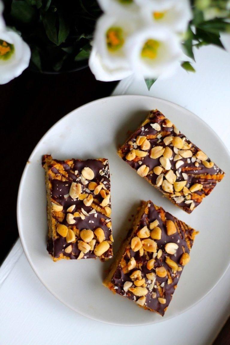 Kage med kikærter, peanutbutter og chokolade