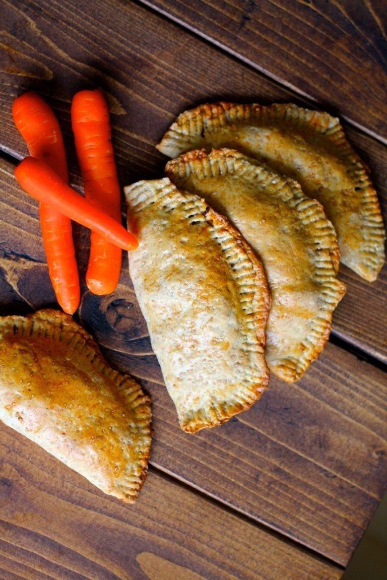 Pirogger med kål, karry og gulerødder