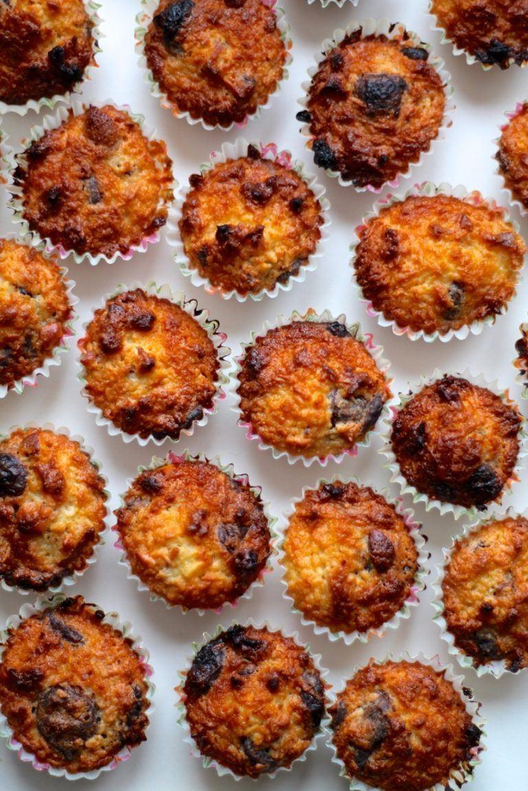 Små kokosmuffins / kokos-konfekt bidder med chokolade