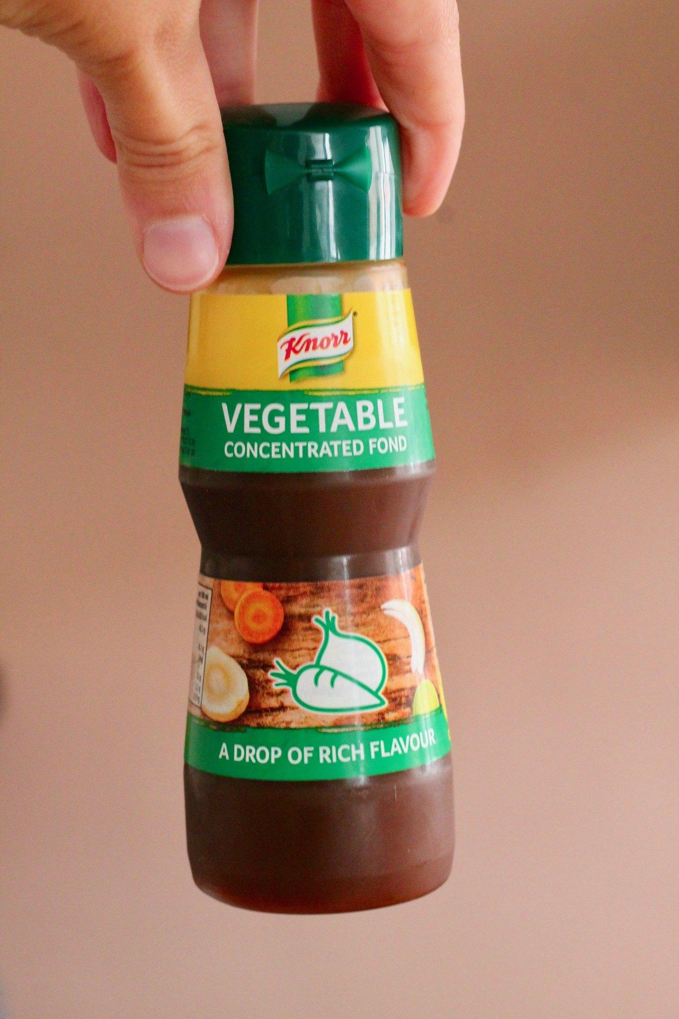 Kold nudelsalat med halloumi, grøntsager og peanutbutterdressing 4