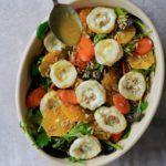 Gedeost salat med appelsiner, grillede gulerødder og appelsin-honning-sennepsdressing
