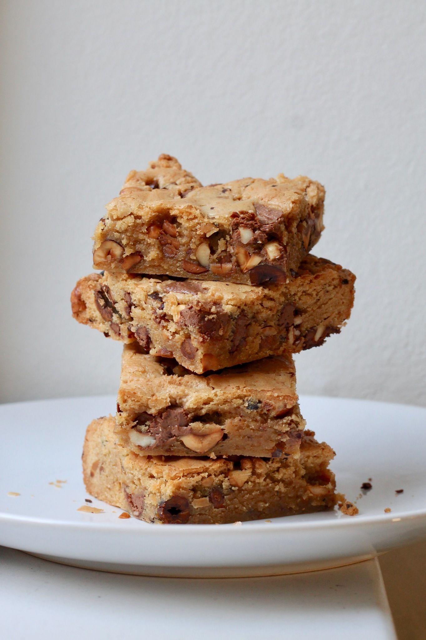 Cookie kage med brunet smør, hasselnødder og chokolade