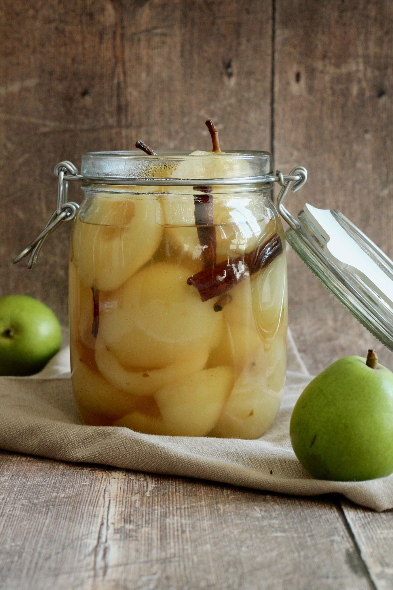 Syltede pærer - til pære belle helene eller som tilbehør til ost, grød eller andre desserter.
