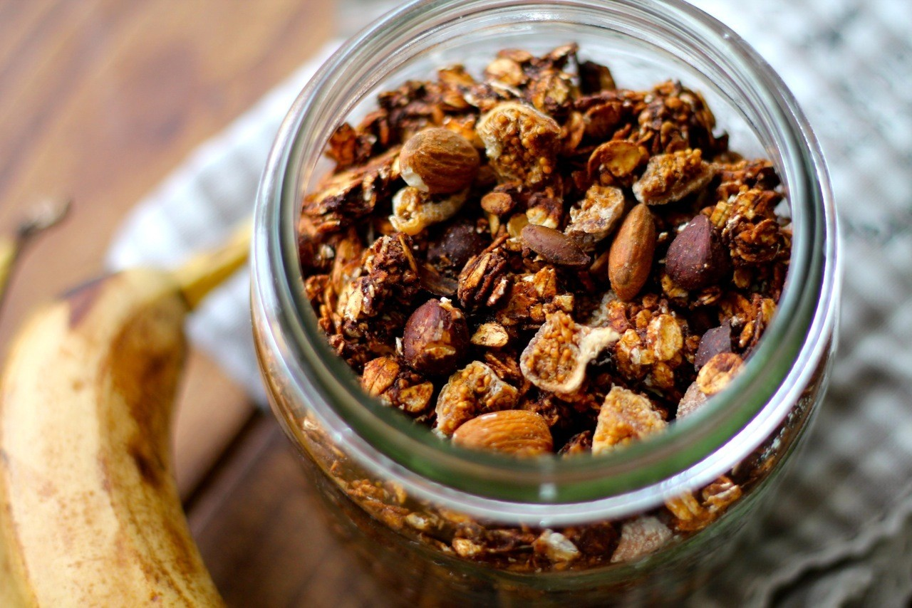 Choko-banan granola
