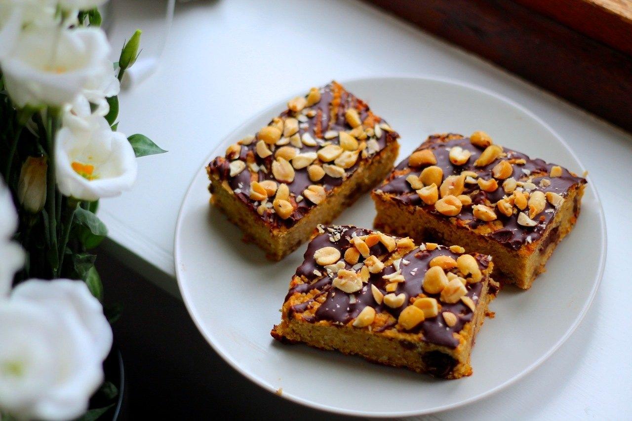 Peanutkage med kikærter og chokolade