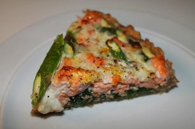 laksetaerte-med-spinat-og-asparges0