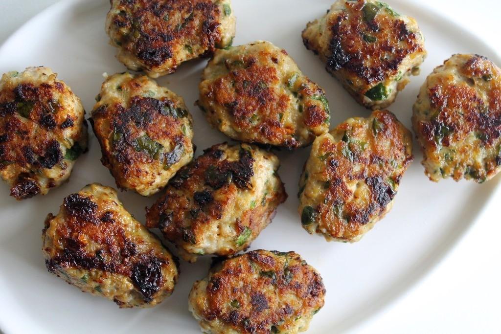Kyllingefrikadeller med feta, spinat og soltørrede tomater photo IMG_5572_zpsogt4xkda.jpg