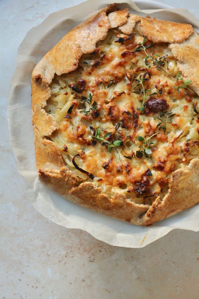 Galette med løg og ost - fransk løgtærte